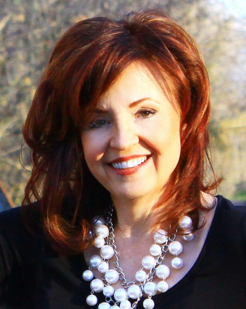 Lynne Gentry_Headshot
